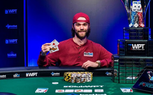 Joshua Adkins Menangkan World Poker Tour
